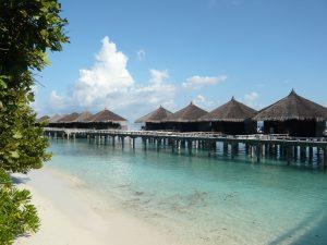 Kuramathi island resort malediven water villa